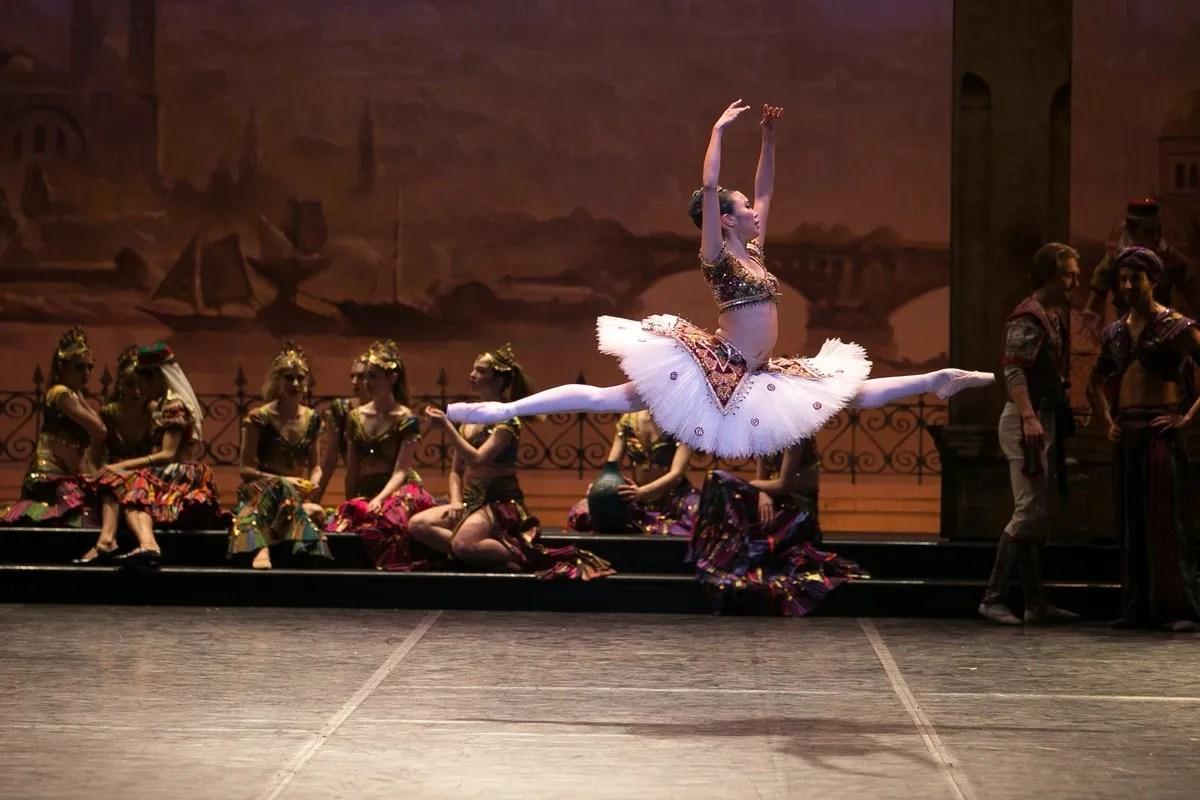 03 English National Ballet in Le Corsaire with Shiori Kase @ Dasa Wharton