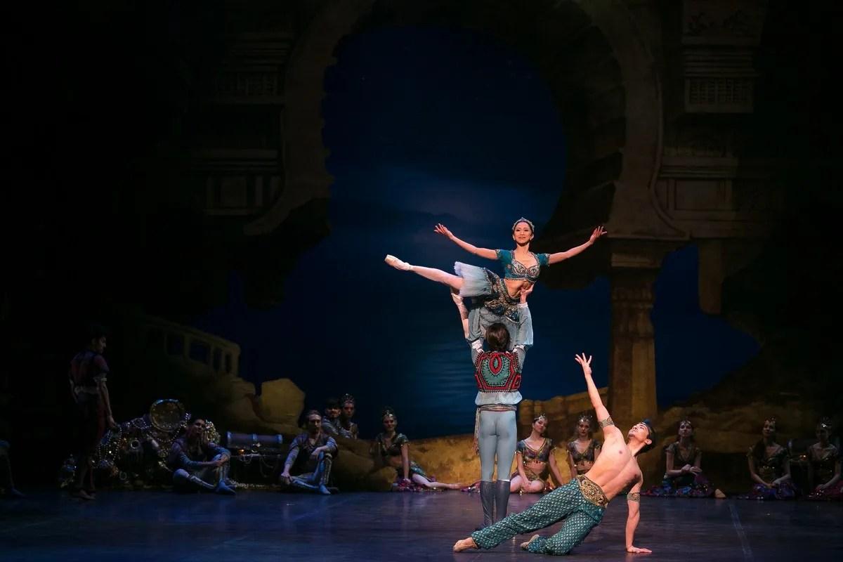 16 English National Ballet in Le Corsaire with Erina Takahashi and Francesco Gabriele Frola and Jeffrey Cirio @ Dasa Wharton