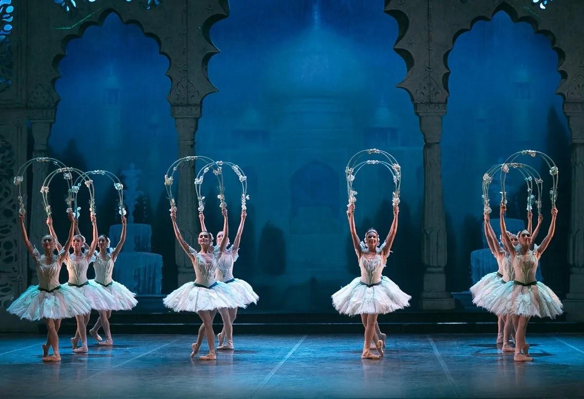 23 English National Ballet in Le Corsaire @ Dasa Wharton