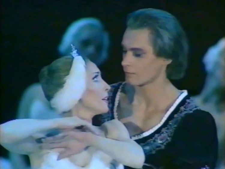 Natalia Makarova and Konstantin Zaklinsky in Swan Lake Act 2 adagio 3 1