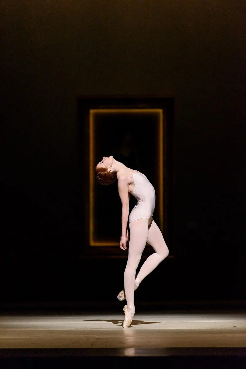 Strapless. Lauren Cuthbertson as Amélie Gautreau. © ROH, 2016. Photographed by Bill Cooper