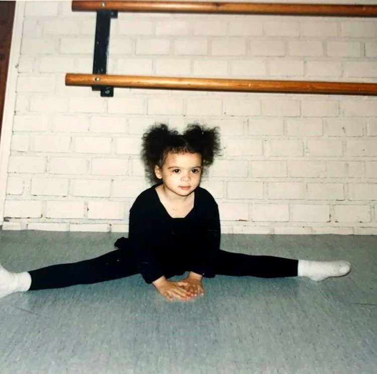 Nikisha aged three at the Balettakademien in Stockholm