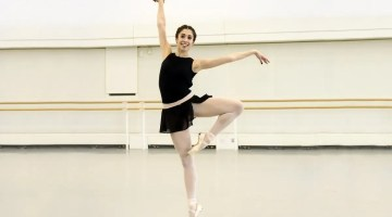 Yasmine Naghdi in rehearsal for Tarantella, The Royal Ballet © 2017 ROH. Photograph by Bill Cooper