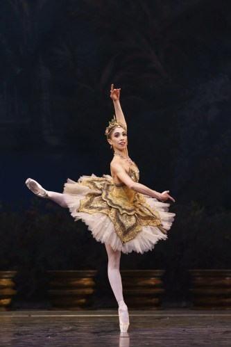 LA BAYADERE The Royal Ballet ROH Covent Garden, Solor; Steven McRae, Gamzatti; Yasmine Naghdi, Nikiya; Akane Takada, The High Brahmin; Alastair Marriott,