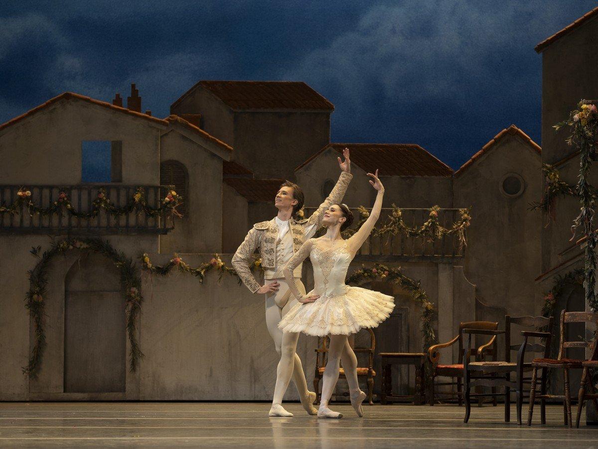 Marianela Nunez and Vadim Muntagirov in Don Quixote photo ROH