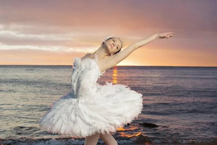 Swan-Lake-National-Ballet-of-Canada