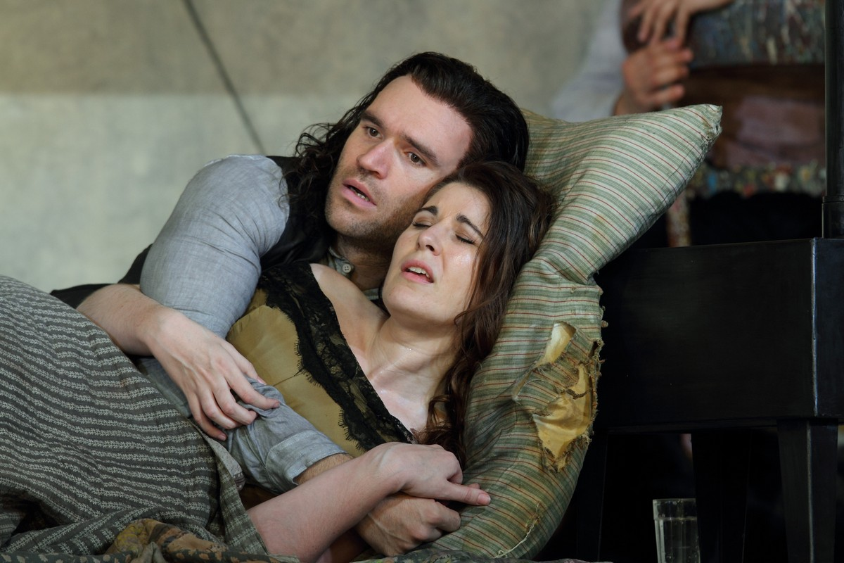 Michael Fabiano as Rodolfo and Nicole Car as Mimi in La boheme, The Royal Opera. © ROH, 2017. Photographed by Catherine Ashmore. (2)