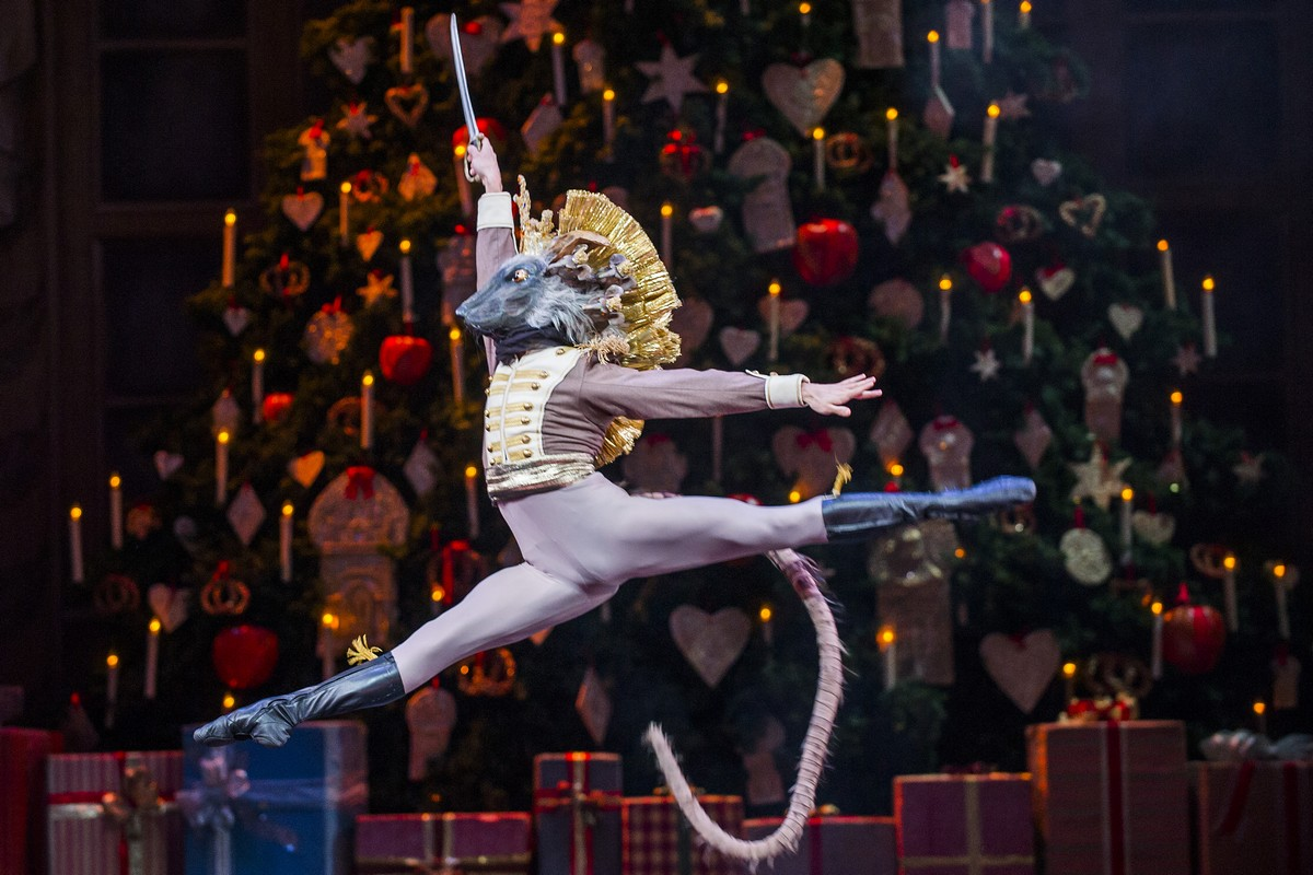 Nicol Edmonds as The Mouse King in The Nutcracker © 2015 ROH. Photograph by Tristram Kenton