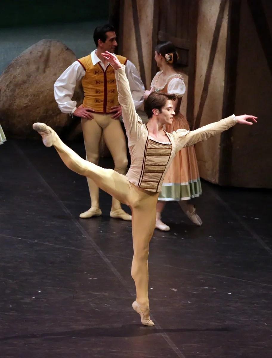 Giselle, Claudio Coviello photo Brescia e Amisano © Teatro alla Scala