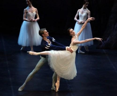 Giselle, Nicoletta Manni and Timofej Andrijashenko, photo Brescia e Amisano © Teatro alla Scala