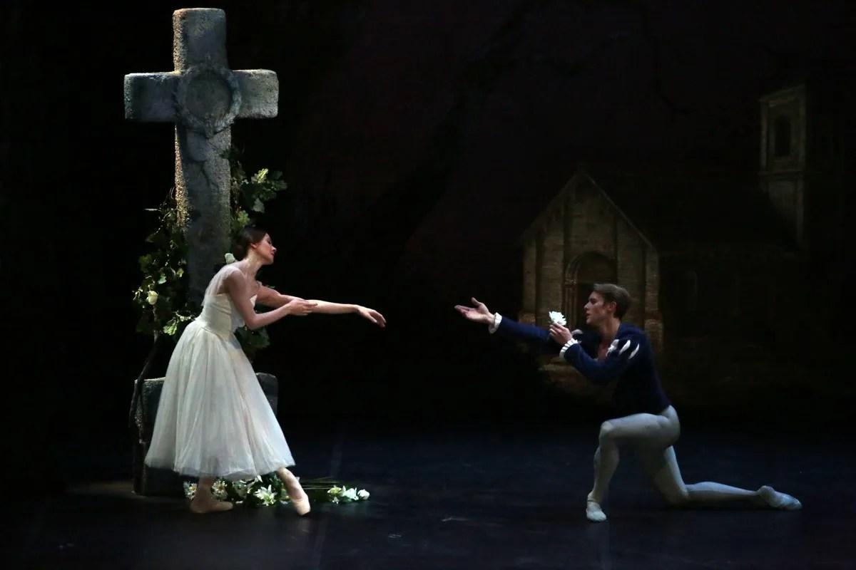 Giselle, Nicoletta Manni and Timofej Andrijashenko photo Brescia e Amisano © Teatro alla Scala