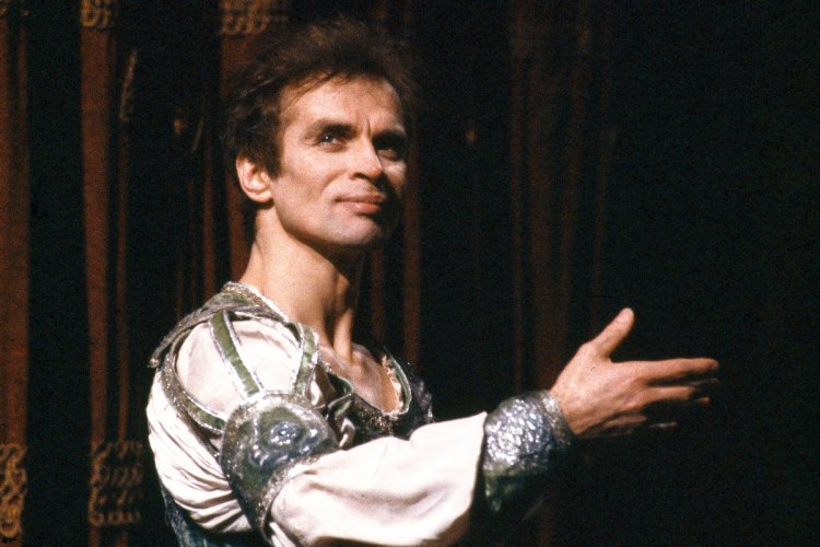 Rudolf Nureyev, photo by Lelli e Masotti, Teatro alla Scala