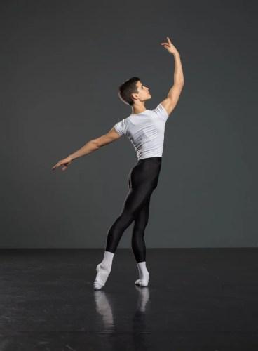 Antonio Casalinho doing ballet class. Photo by Nikita Alba - 03