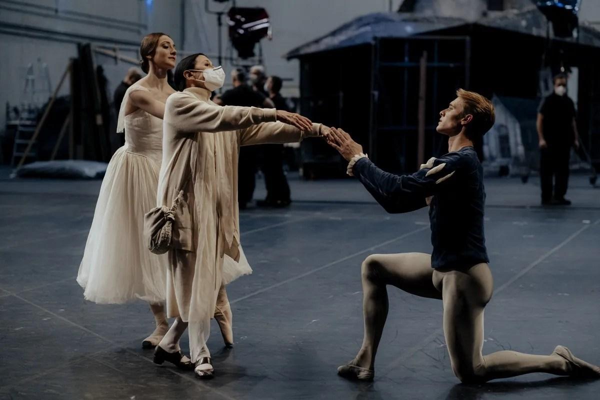 Nicoletta Manni, Carla Fracci, Timofej Andrijashenko, Teatro alla Scala - photo by Sara Busiol 688