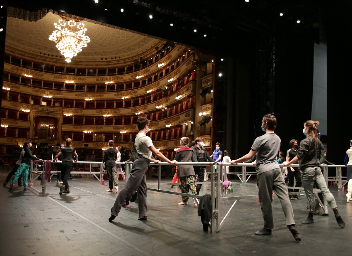 Onstage class - photo by Brescia e Amisano ©Teatro alla Scala (1)