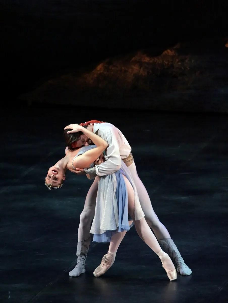 Virna Toppi and Marco Agostino in the Great Moments of Dance gala 2020 in Le Corsaire, photo by Brescia e Amisano, Teatro alla Scala