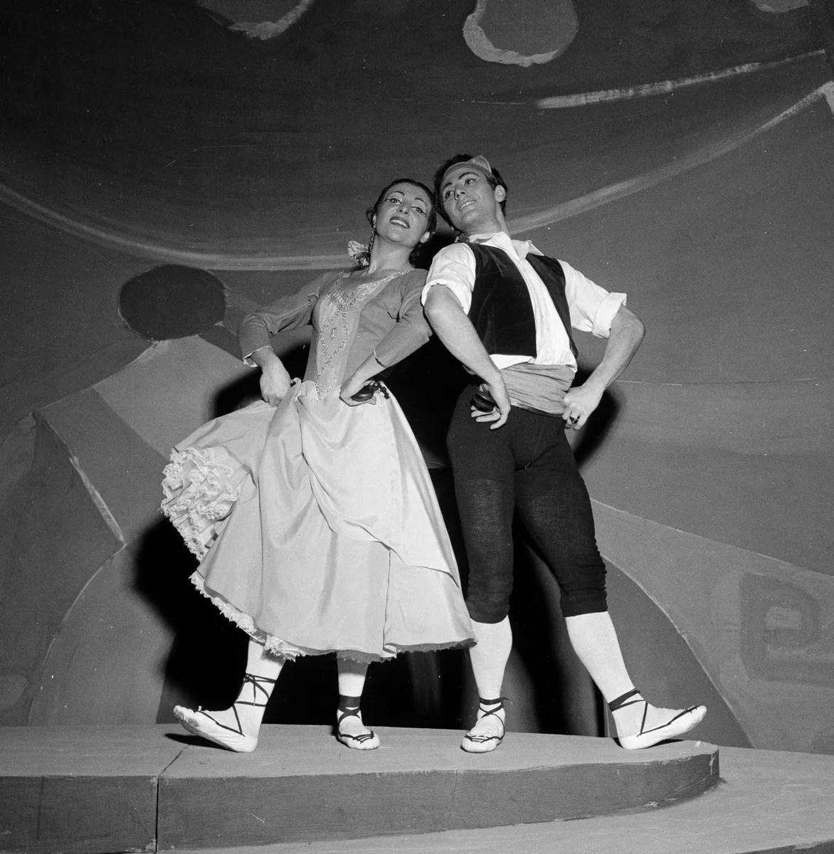 1955 Luciana Novaro in España with Mario Pistoni, photo by Erio Piccagliani © Teatro alla Scala