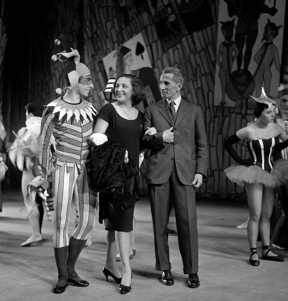 1959 Luciana Novaro with Bruno Telloli and Dino Buzzati in Jeu de cartes, photo by Erio Piccagliani © Teatro alla Scala