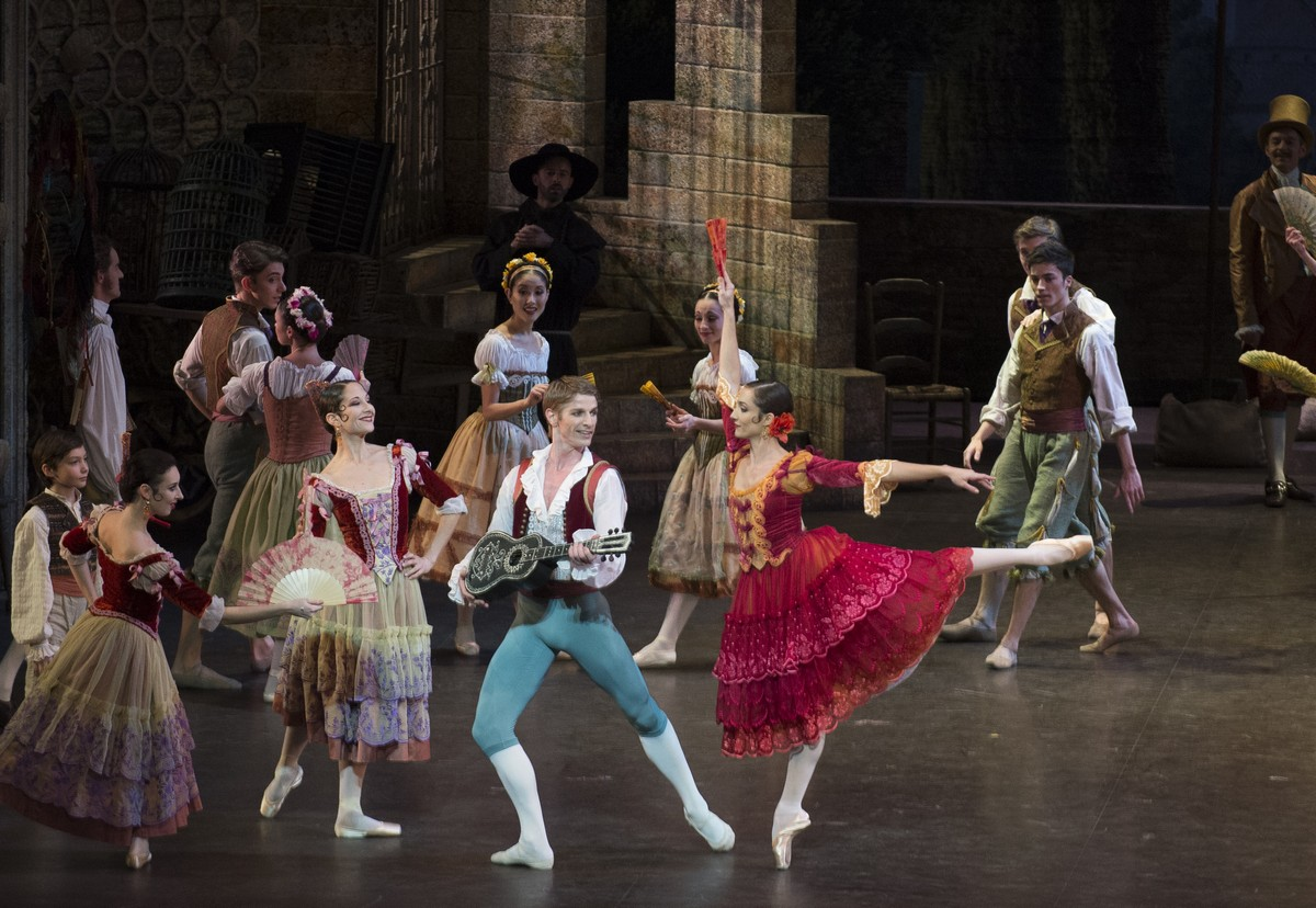 Dorothée Gilbert with Karl Paquette in Don Quixote, photo by Julien Benhamou, OnP