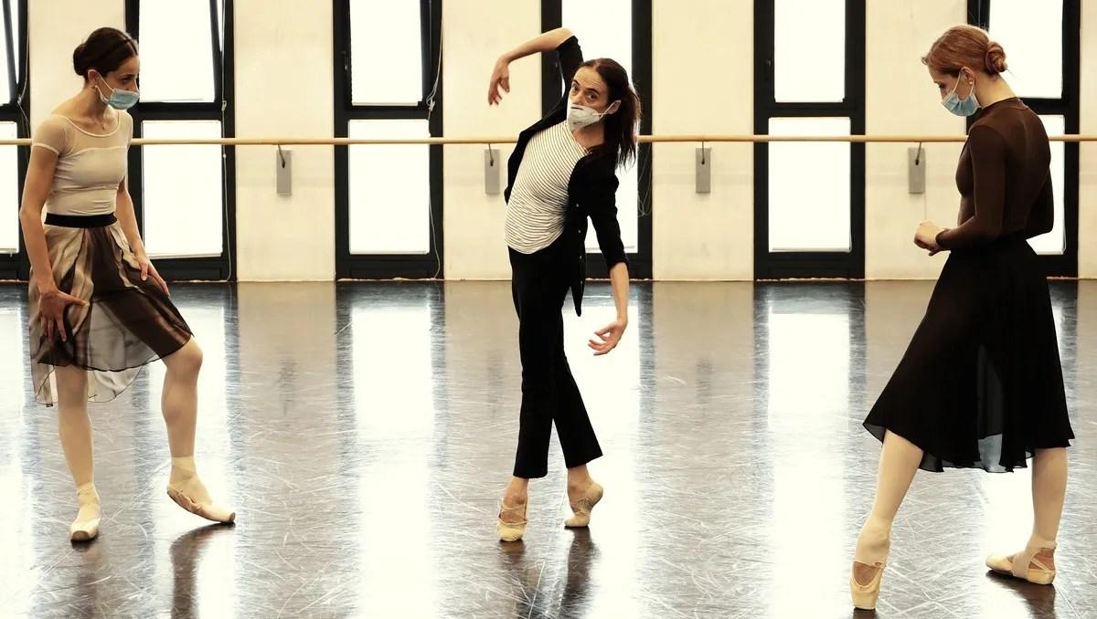 Masterclass - Alessandra Ferri with Nicoletta Manni, Virna Toppi - photo by Brescia e Amisano ©Teatro alla Scala