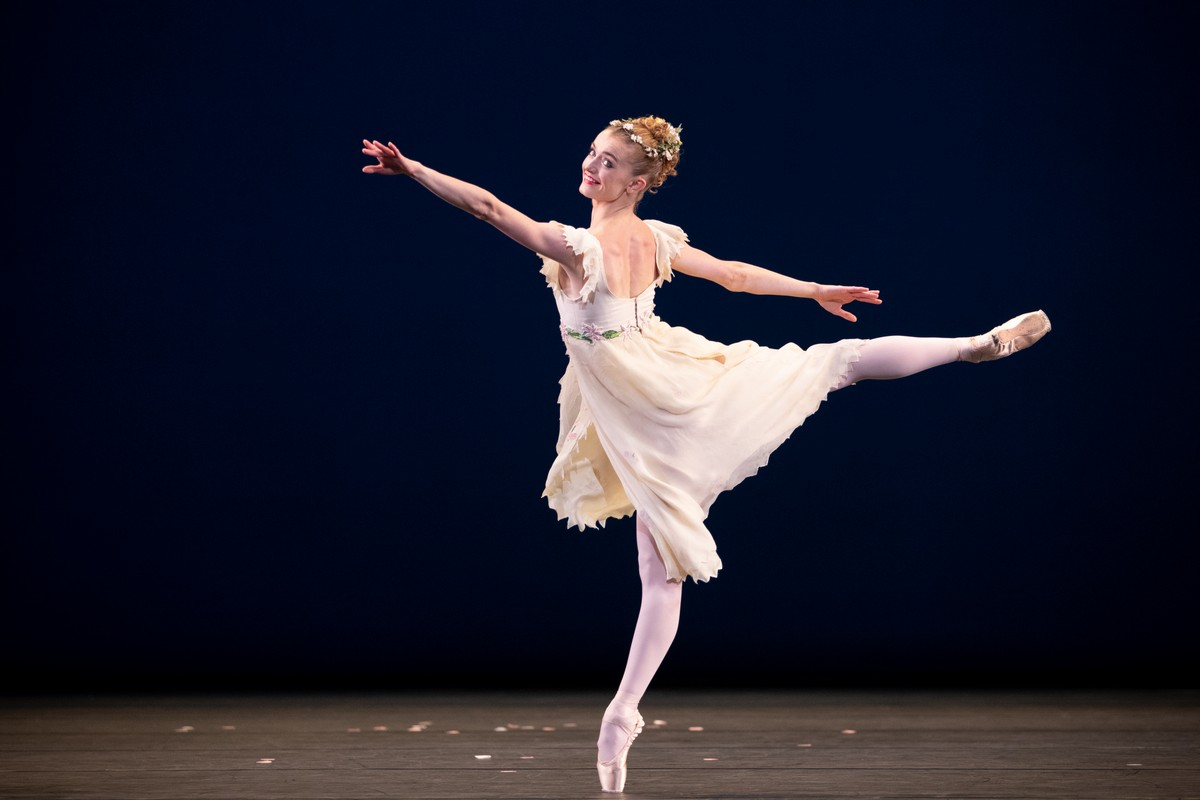 Anna Rose O'Sullivan in Voices of Spring, The Royal Ballet ©2021 ROH. Photograph by Alice Pennefather