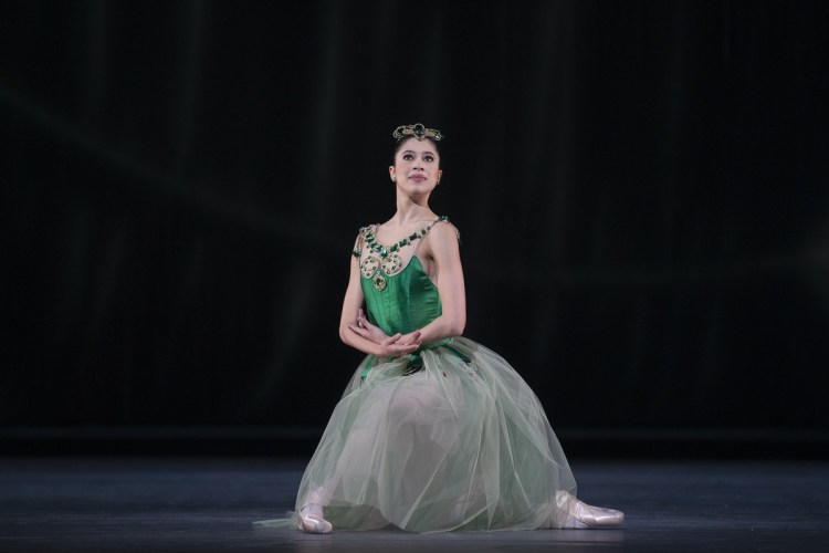 Beatriz Stix-Brunell in Emeralds, photo by Andrej Uspenski ROH