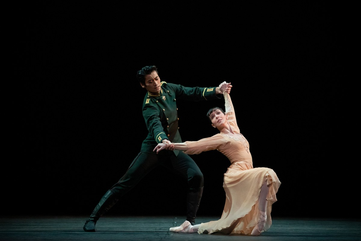 Laura Morera and Ryoichi Hirano in Winter Dreams, The Royal Ballet ©2021 ROH. Photograph by Alice Pennefather 2