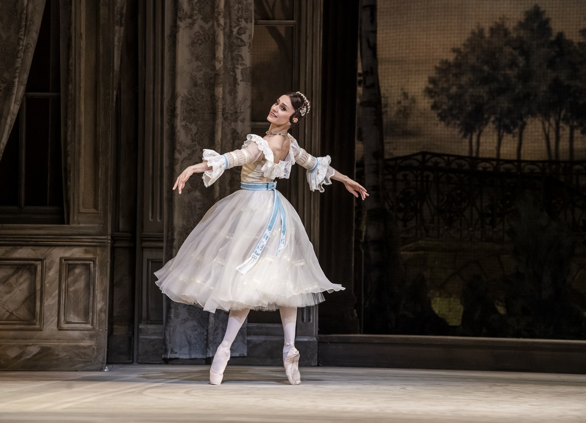 Marianela Nuñez as Natalia Petrovna in A Month in the Country, The Royal Ballet ©2019 ROH. Photograph by Tristram Kenton-01