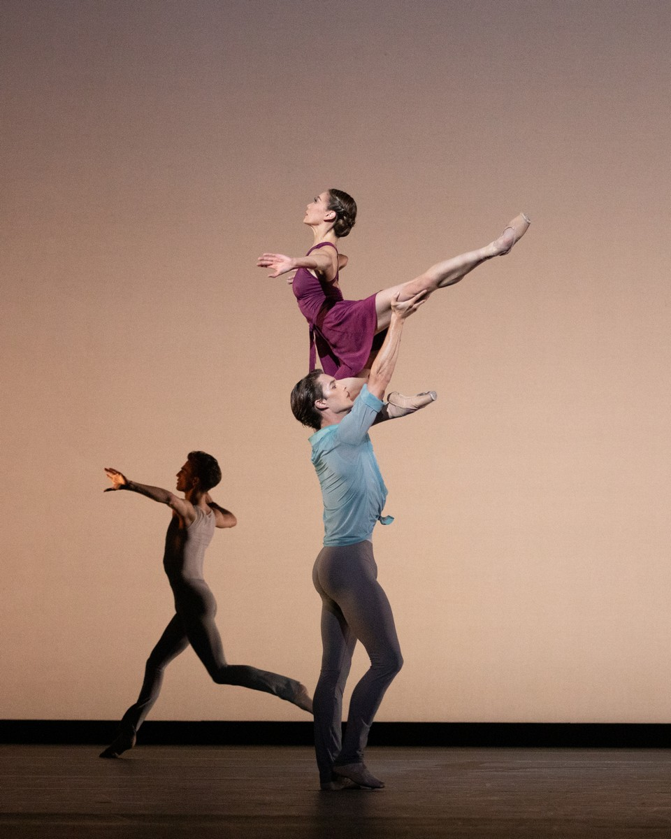 Mariko Sasaki and Lukas Bjørneboe Brændsrød and Leo Dixon in Anemoi, The Royal Ballet ©2021 ROH. Photograph by Alice Pennefather