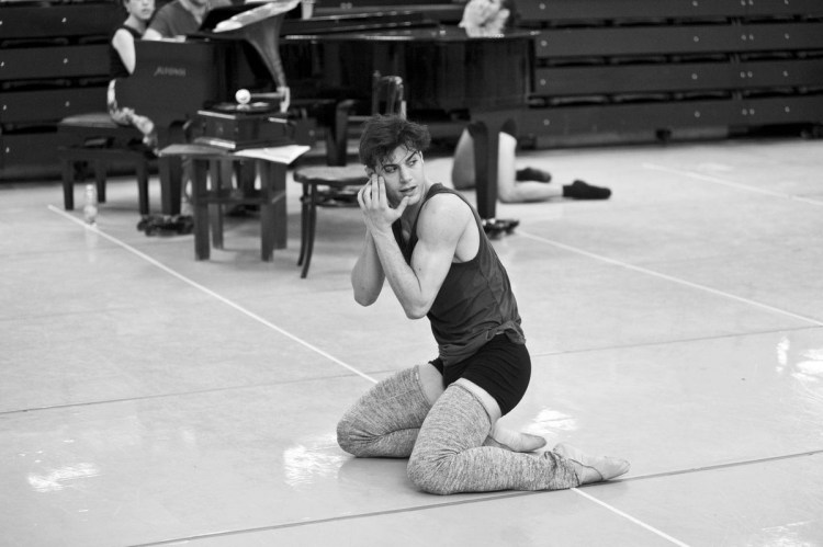 Davide Dato rehearses Uwe Scholz's Rite of Spring © Giuseppe Distefano - 1
