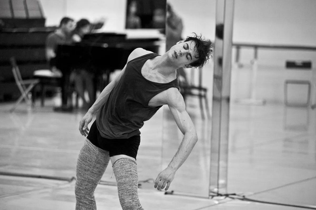 Davide Dato rehearses Uwe Scholz's Rite of Spring © Giuseppe Distefano - 2
