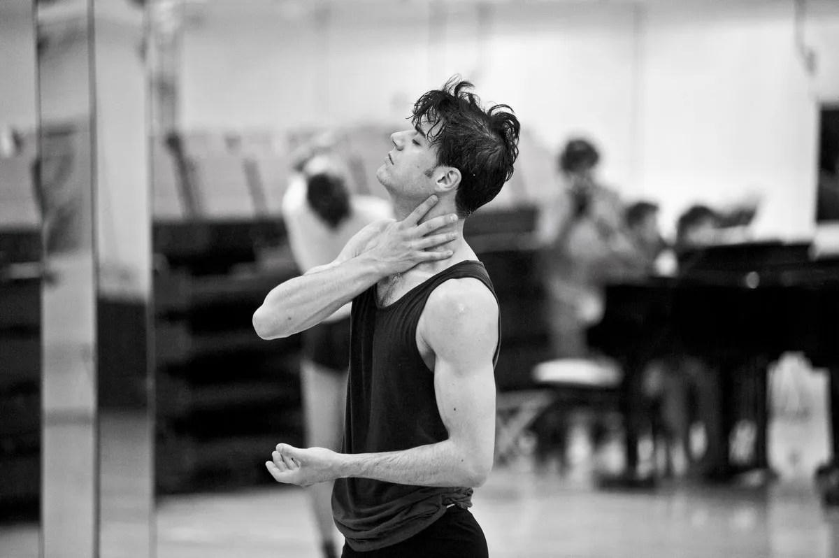 Davide Dato rehearses Uwe Scholz's Rite of Spring © Giuseppe Distefano - 5