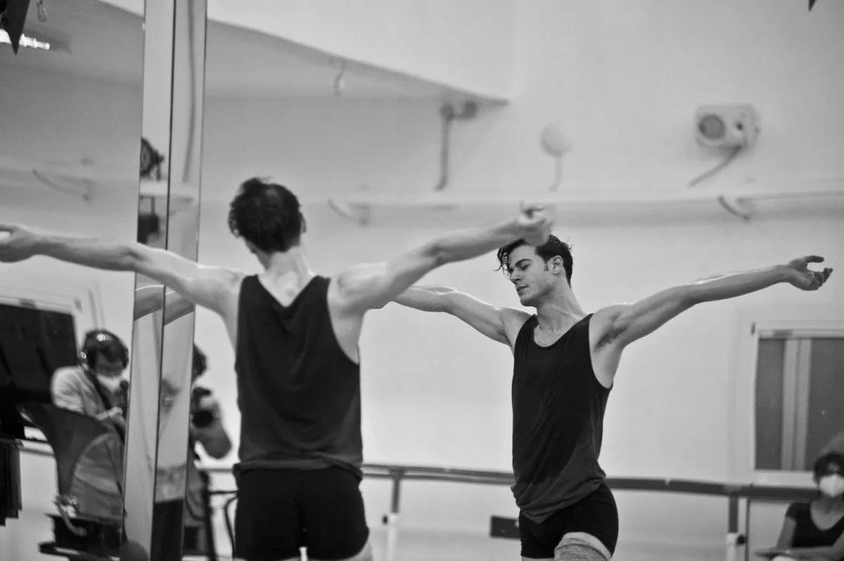 Davide Dato rehearses Uwe Scholz's Rite of Spring © Giuseppe Distefano - 8
