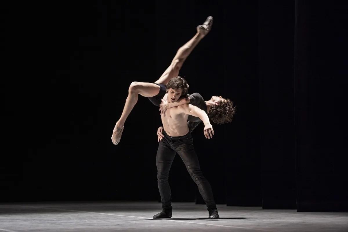 Jacopo Bellussi and Alessandro Frola in Peter and Igor, Nijinsky Gala, Hamburg 2021 31 © Kiran West