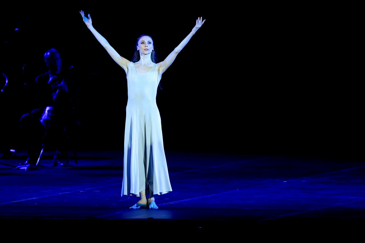 Revelation from Pas de deux for Toes and Fingers, photo by Marcello Orselli, Teatro Carlo Felice - 382