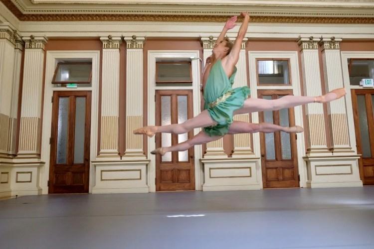 Ballet22-01