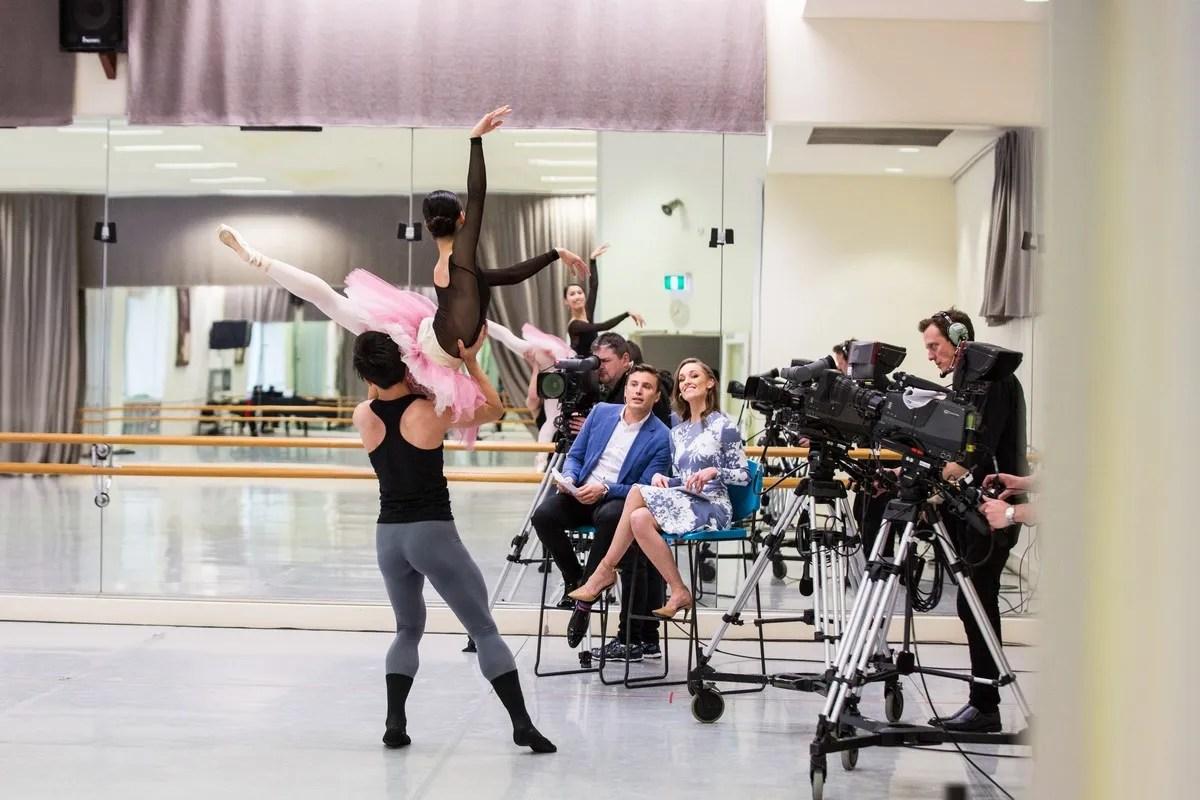 Ako Kondo, Chengwu Guo and hosts James Tobin and Brooke Lockett, The Australian Ballet, 2016. Photograph by Kate Longley