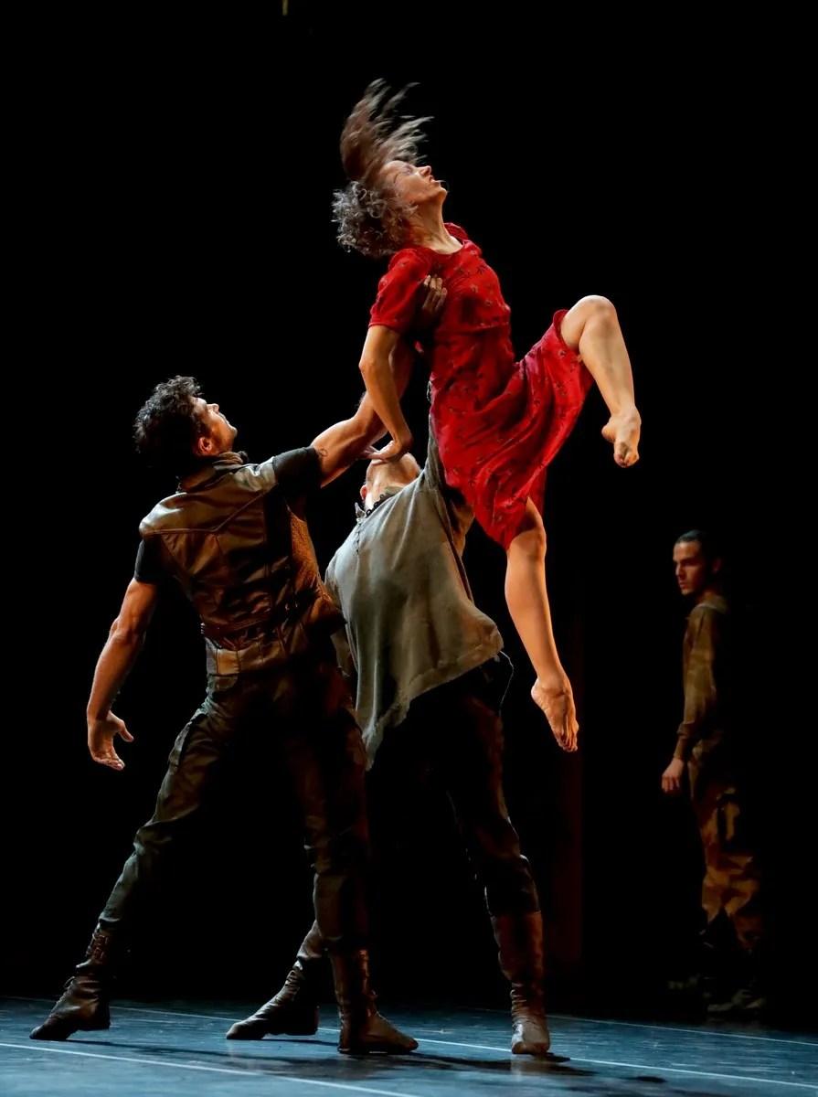 Madina - 01 - Antonella Albano, Roberto Bolle and Gabriele Corrado, photo by Brescia e Amisano ©Teatro alla Scala