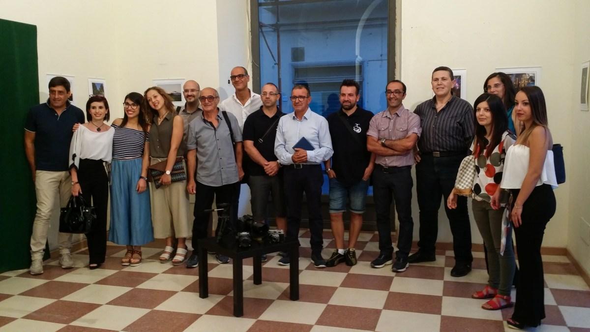 Grammichele: Inaugurata la mostra fotografica del gruppo fotografico #cosispiciali