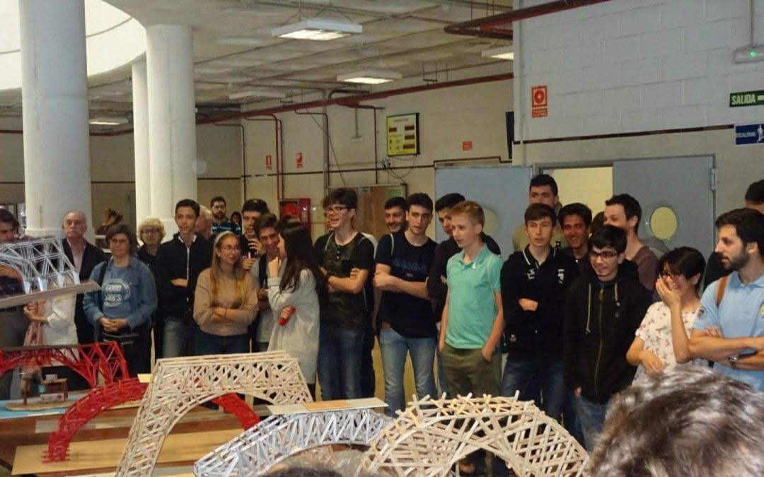 """Ganadores  del concurso """"Construye Tu Futuro"""" de la ETSI de Caminos de la Universidad de Granada."""