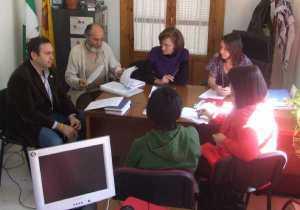 El equipo de los servicios sociales comunitarios presenta un avance de su memoria anual