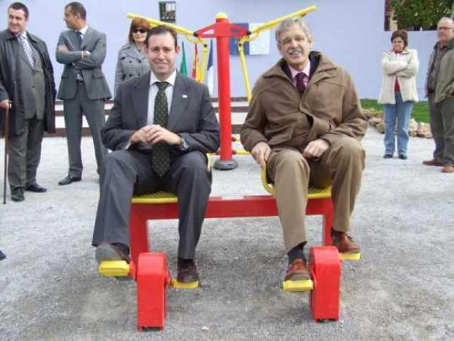 El Presidente de Caja Granada inaugurando el Parque de las Generaciones en Jun