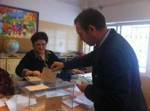 Ejerciendo mi derecho al voto hace unos instantes