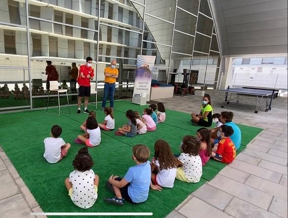 VISITANTE ESPECIAL EN EL CAMPUS INFANTIL YO10 SPORT CLUB.