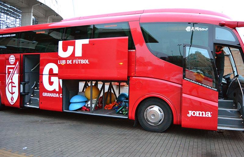 Autobus Granada CF concentración Marbella