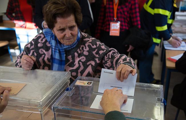 20D Elecciones Generales Urnas Votación Votos -16