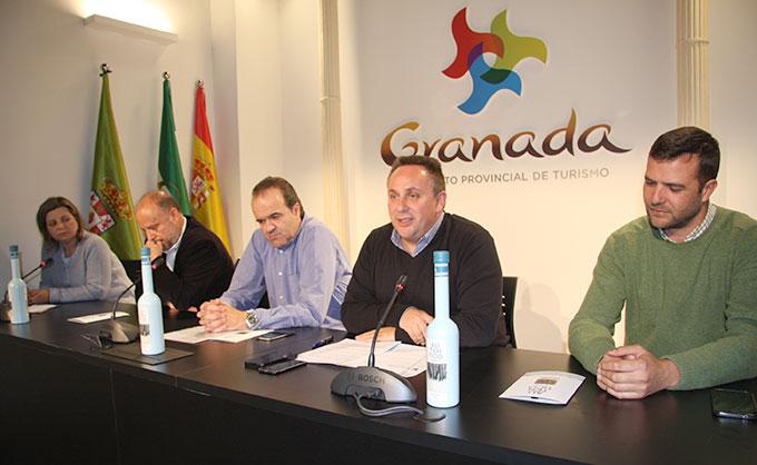Jose-Enrique-Medina-Diputado-Turismo-Presentacion-Aceite-Granada-Gabinete