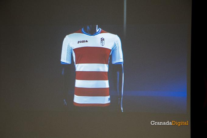 Presentación Primera equipación camiseta Granada CF rojiblanco-19