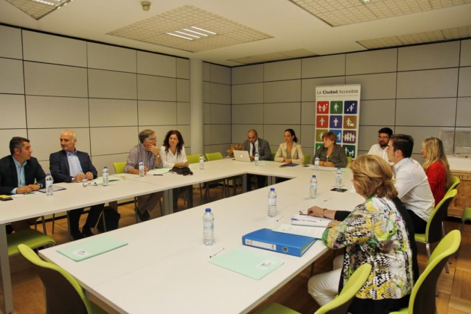 reunion-madrid-ciudad-accesible