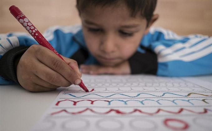 nino-infancia-dibujo-pobreza